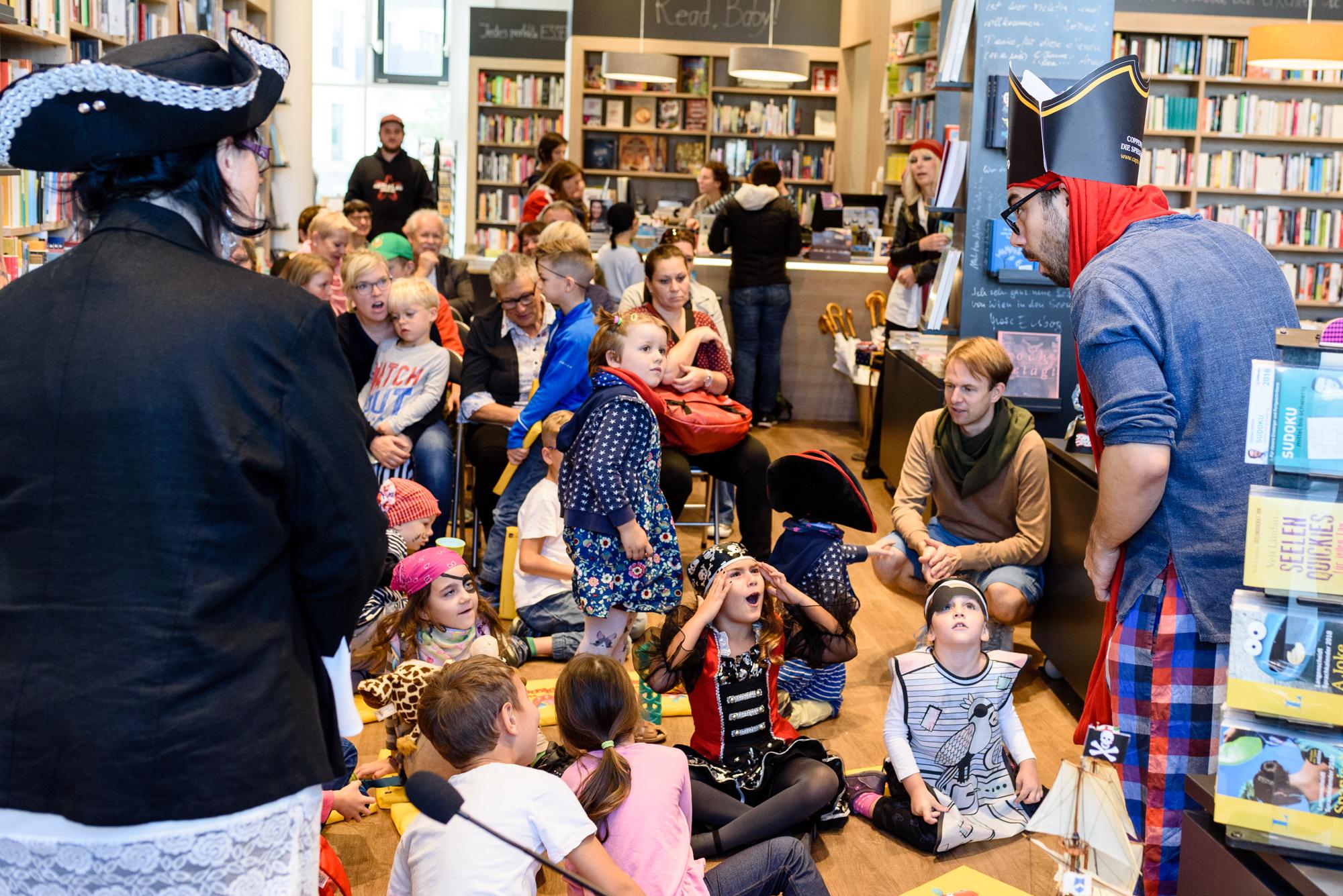 Piratenparty & Erstpräsentation mit Sabina Sagmeister