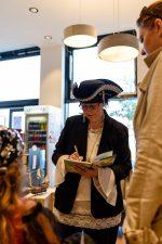 """Piratenparty & Erstpräsentation mit Sabina Sagmeister """"Piraten Pia packt an!"""" © Julian Weiss"""